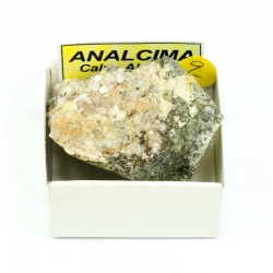 mineral analcima